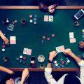 在线扑克是一款是一款拥有着超高人气的在线扑克牌游戏。