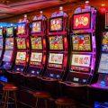 角子机经常可在赌场或者专设角子机的娱乐场所见到。