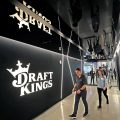 DraftKings通过新的普通股发行,于10月5日开始公开发售。