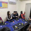 台警破获地下德州扑克赌场驚见正妹荷官派牌