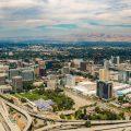 硅谷位于旧金山湾区南部聚集世界著名高科技公司包括苹果公司和Google