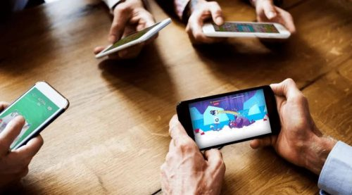 2020年的移动游戏下载量达到800亿次